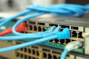 Sieci komputerowe przewodowe i bezprzewodowe
